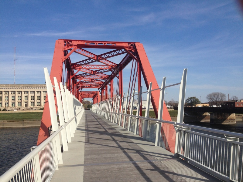 One of the two cool bike/ped bridges over the Des Moines river in downtown DSM.